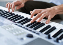 How To Play Chopsticks On A Keyboard Or Piano?: Chopsticks Music Piano Duets & Solos