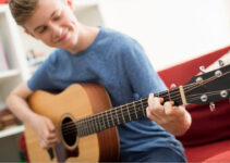 How To Play Guitar?:  Learn The Basics Of Playing Guitar: How To Play The Guitar For Beginners
