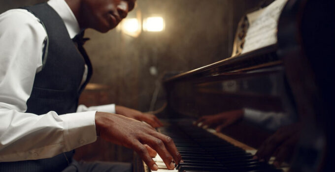 How To Play Jazz Piano?: Jazz Piano For Complete Beginners